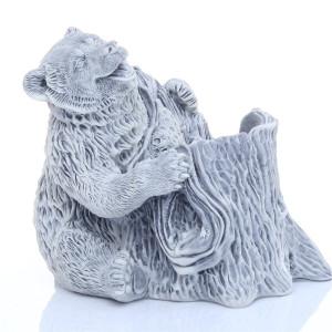 Медведь у пня (карандашница)