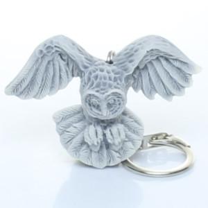 Сова полярная с расправленными крыльями (барельеф) / брелок