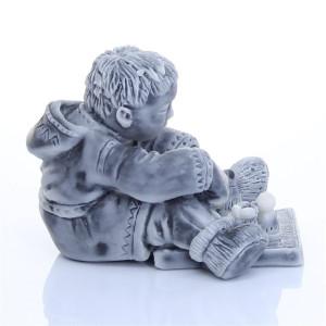 Ребенок с шахматами